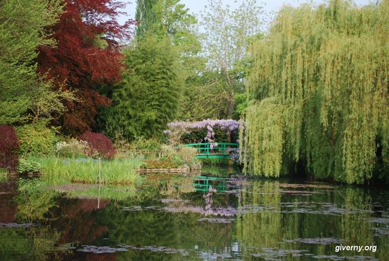 莫內吉凡妮花園中的睡蓮池。攝影Ariane Cauderlier。照片取自吉凡妮花園官網。