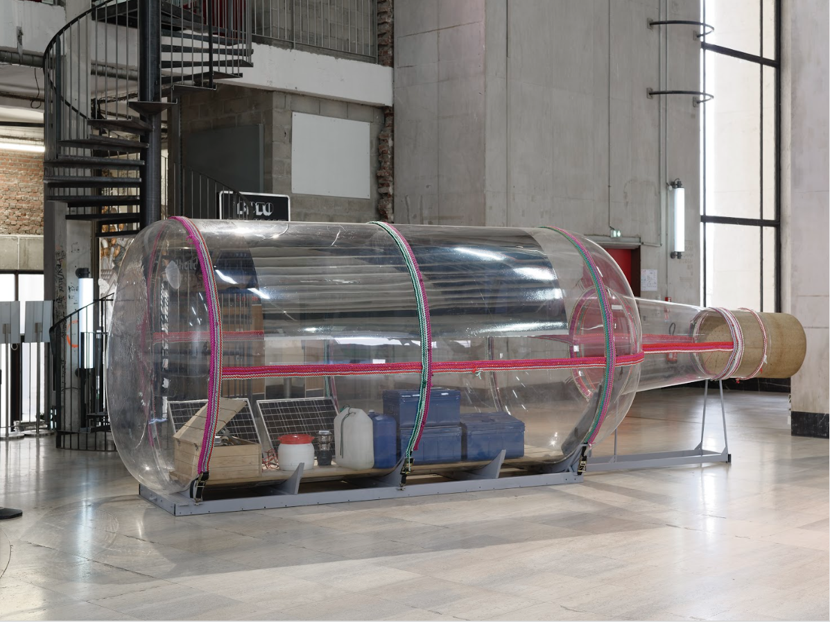 東京宮個展展場,圖為2016年《瓶子》計畫所使用之瓶宅。
